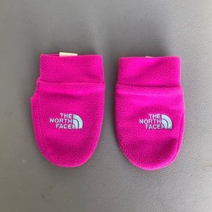 The North Face infant fleece mittens